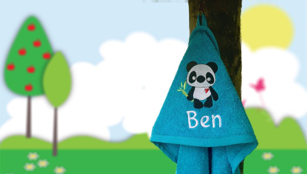 Turquoise Badcape met Naam en Geborduurde Panda