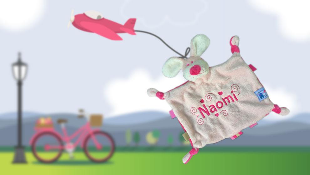 Roze/Fuchsia Knuffeltje Hondje met Naam en Geborduurde Hartjes